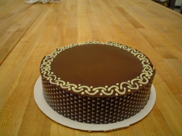 White chocolate ganache cake decorating